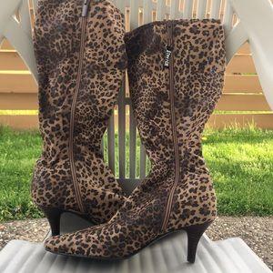 Size 8 - Shiny leopard/cheetah print boots